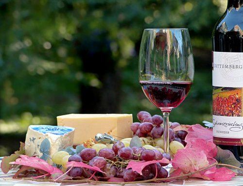 Rickis Jüngstes Gericht: Wein und Käse