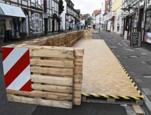 Baustraße: Bahn frei für die Holzterrassen